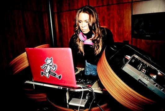 DJ B*Ryte