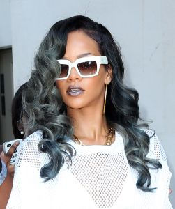 Rihanna spotted with grey hair