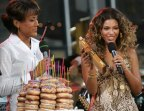 """Ring The Alarm! 20 Sweet Pics Of Beyonce During The """"B'Day"""" Era"""