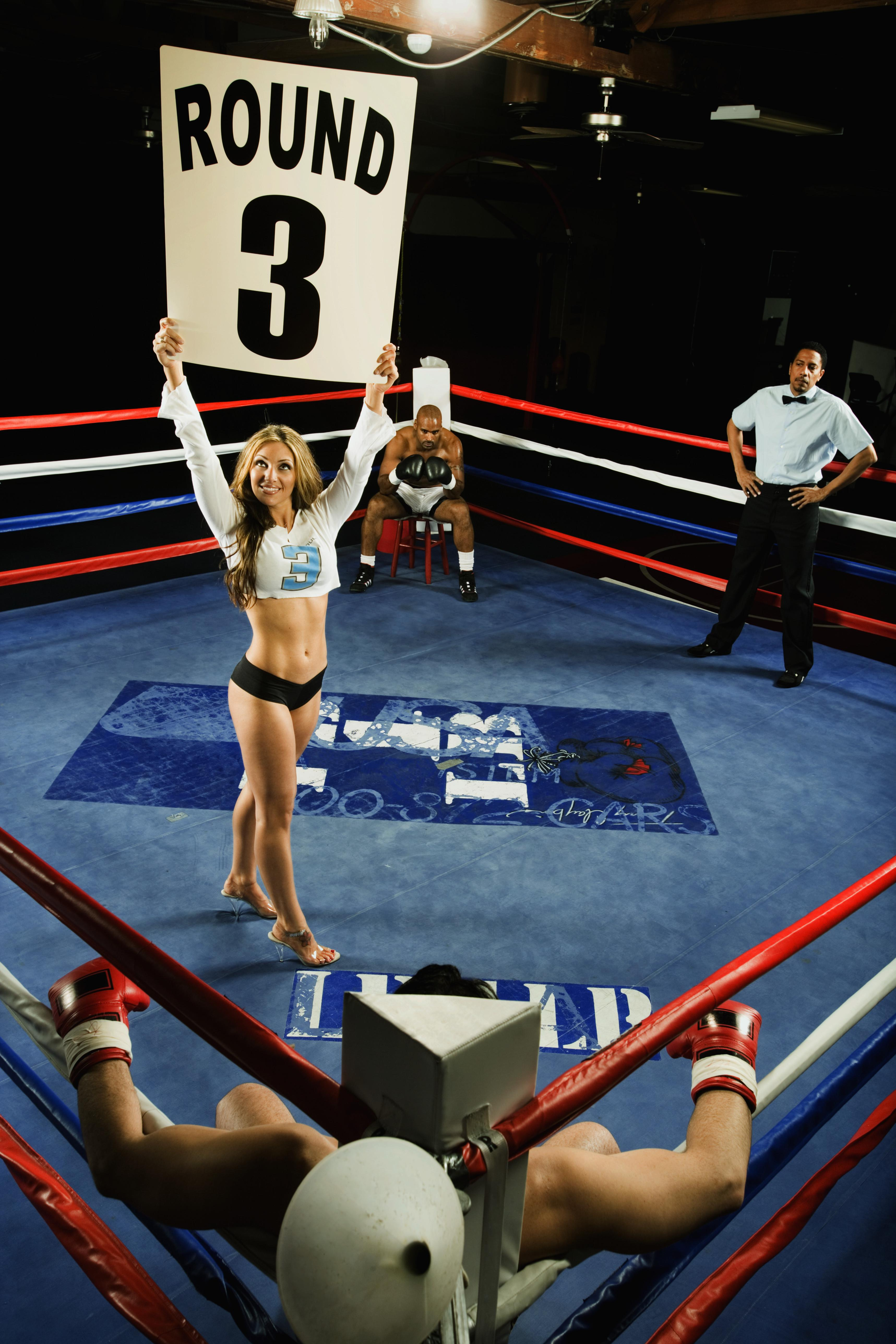 Ring Girl Announcing Round Three