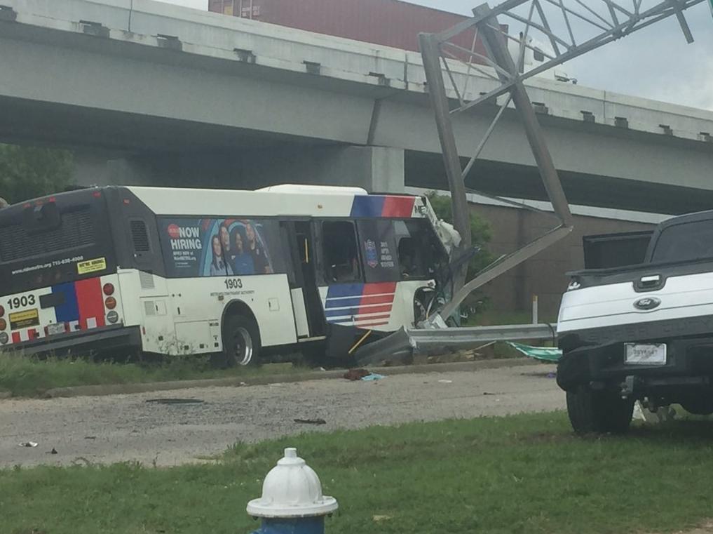 Major Houston Metro Bus Accident Downtown | 97 9 The Box