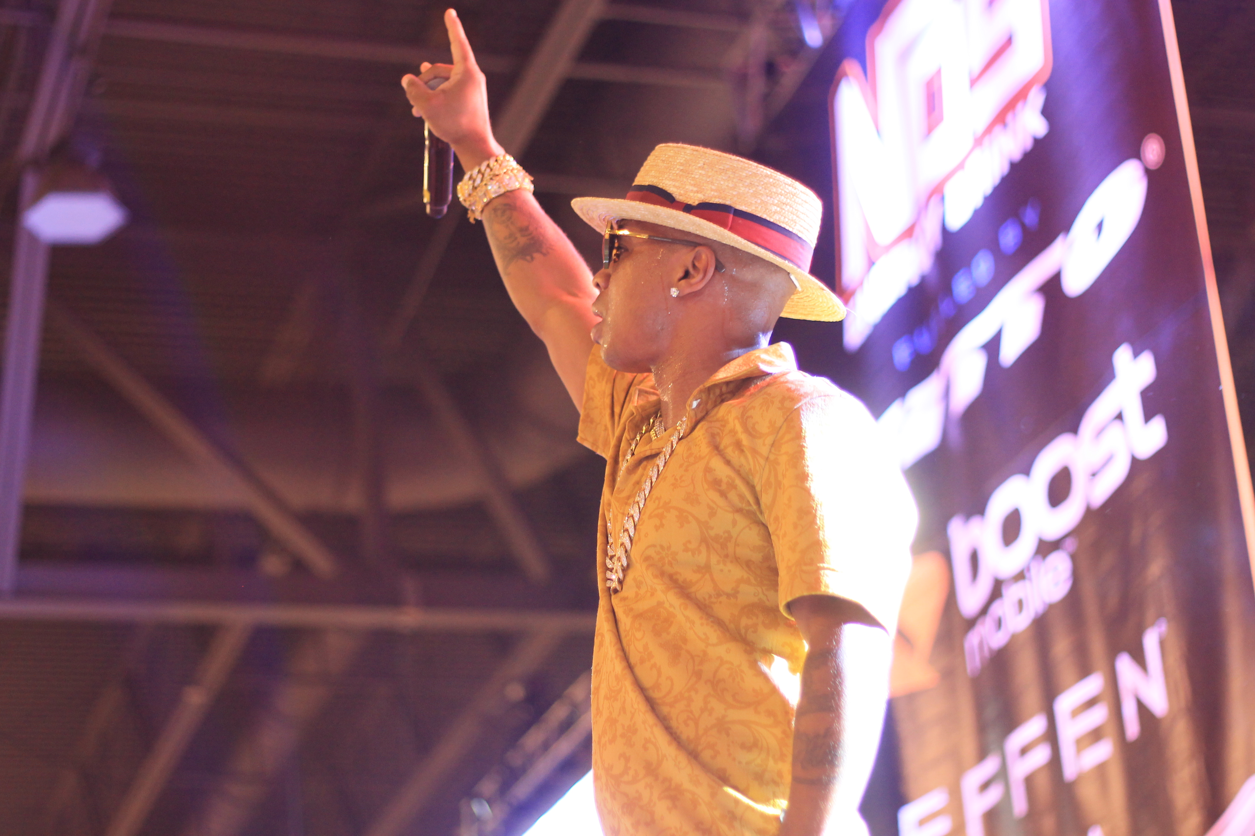 Plies at 97.9's Dub Car Show